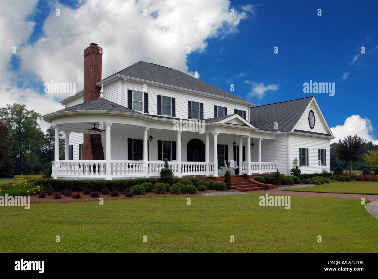 Traditional Southern Style Porch Usa Stockfotos & Traditional ...