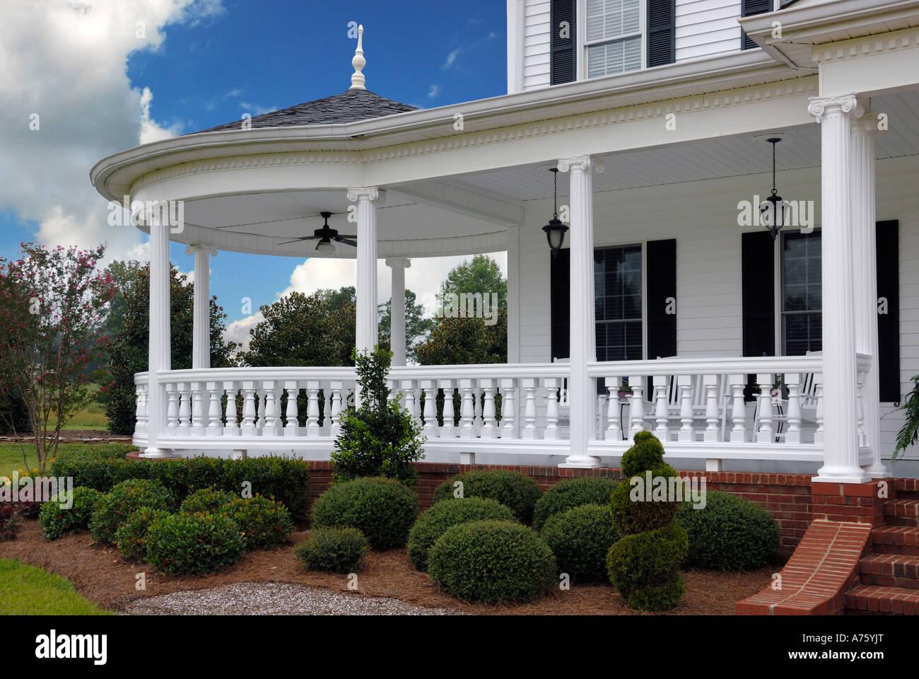 Traditionellen südlichen Stil Veranda USA Ocoee TN Stockfoto, Bild ...