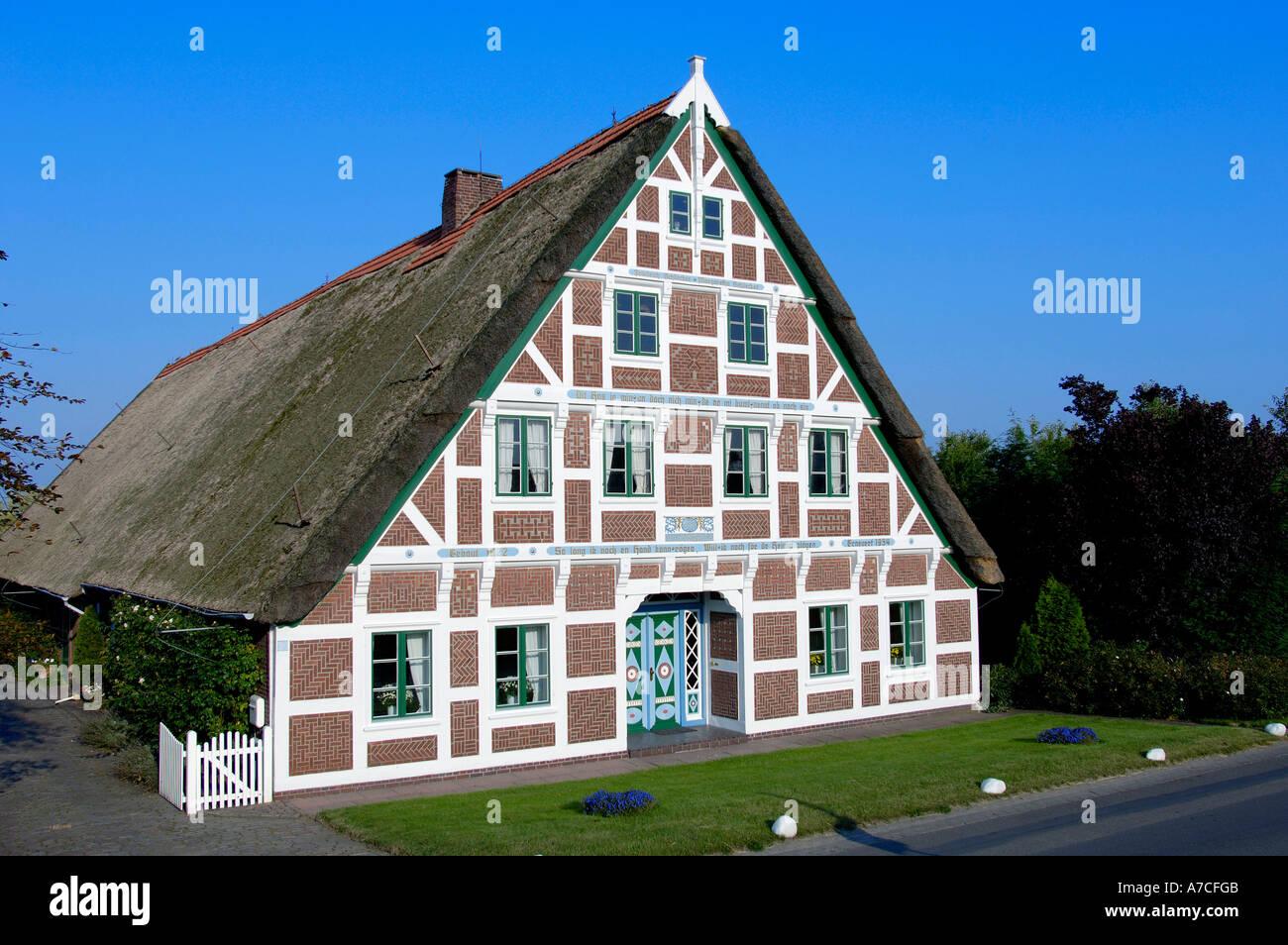 bauernhaus steinkirchen stockfoto bild 6740810 alamy. Black Bedroom Furniture Sets. Home Design Ideas