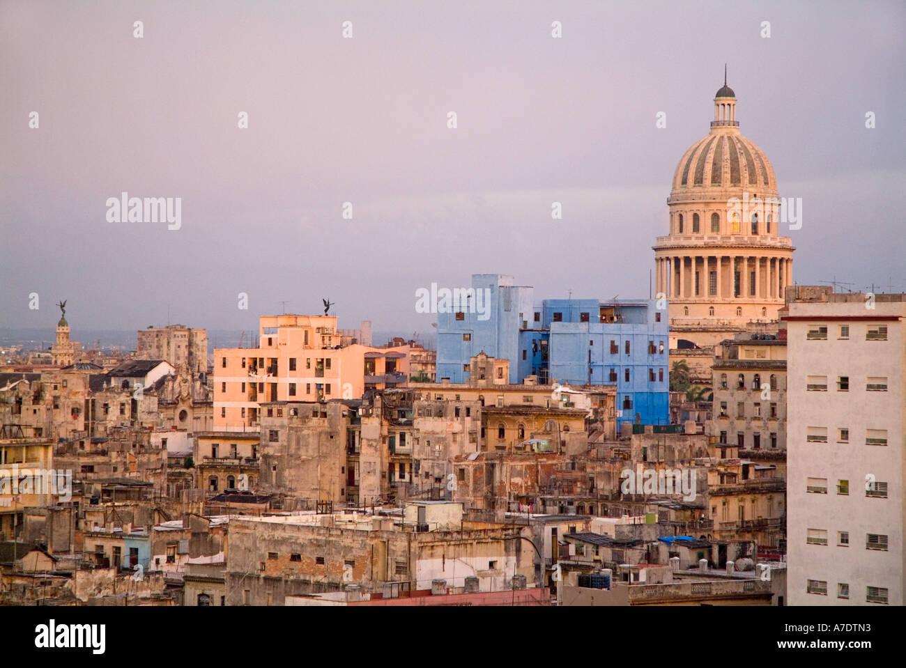 Havanna, Kuba - bei Sonnenuntergang / Dämmerung Stockbild