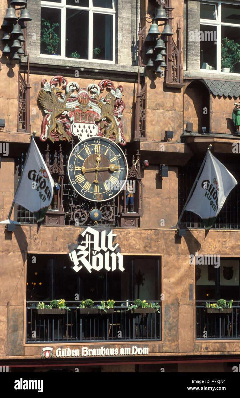Fassade Des Alt Koln Am Dom Restaurant Und Brauerei Koln Nordrhein