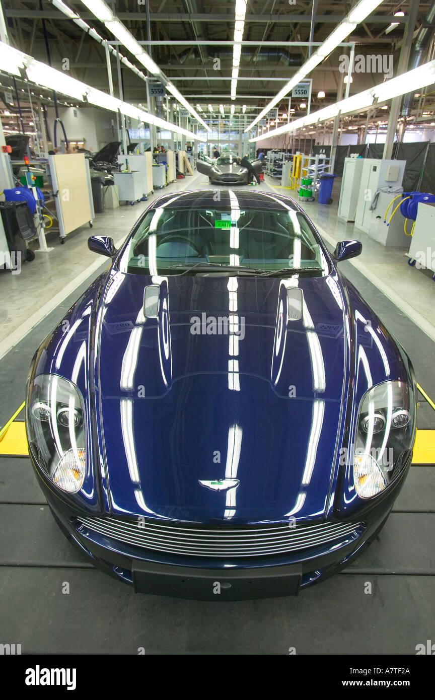 Ein Aston Martin DB9 auf der Fertigungslinie Stockbild
