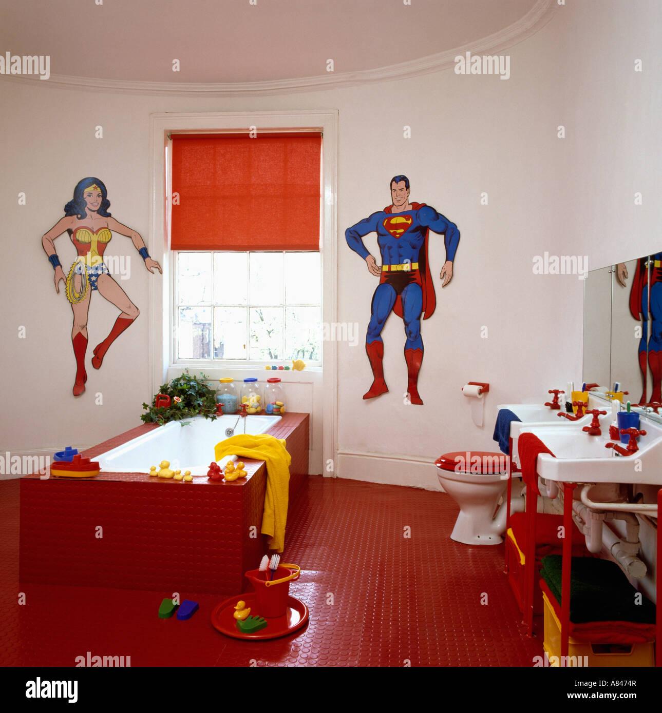 Superman und Superwoman Wandmalereien an der Kinder Badezimmer mit ...