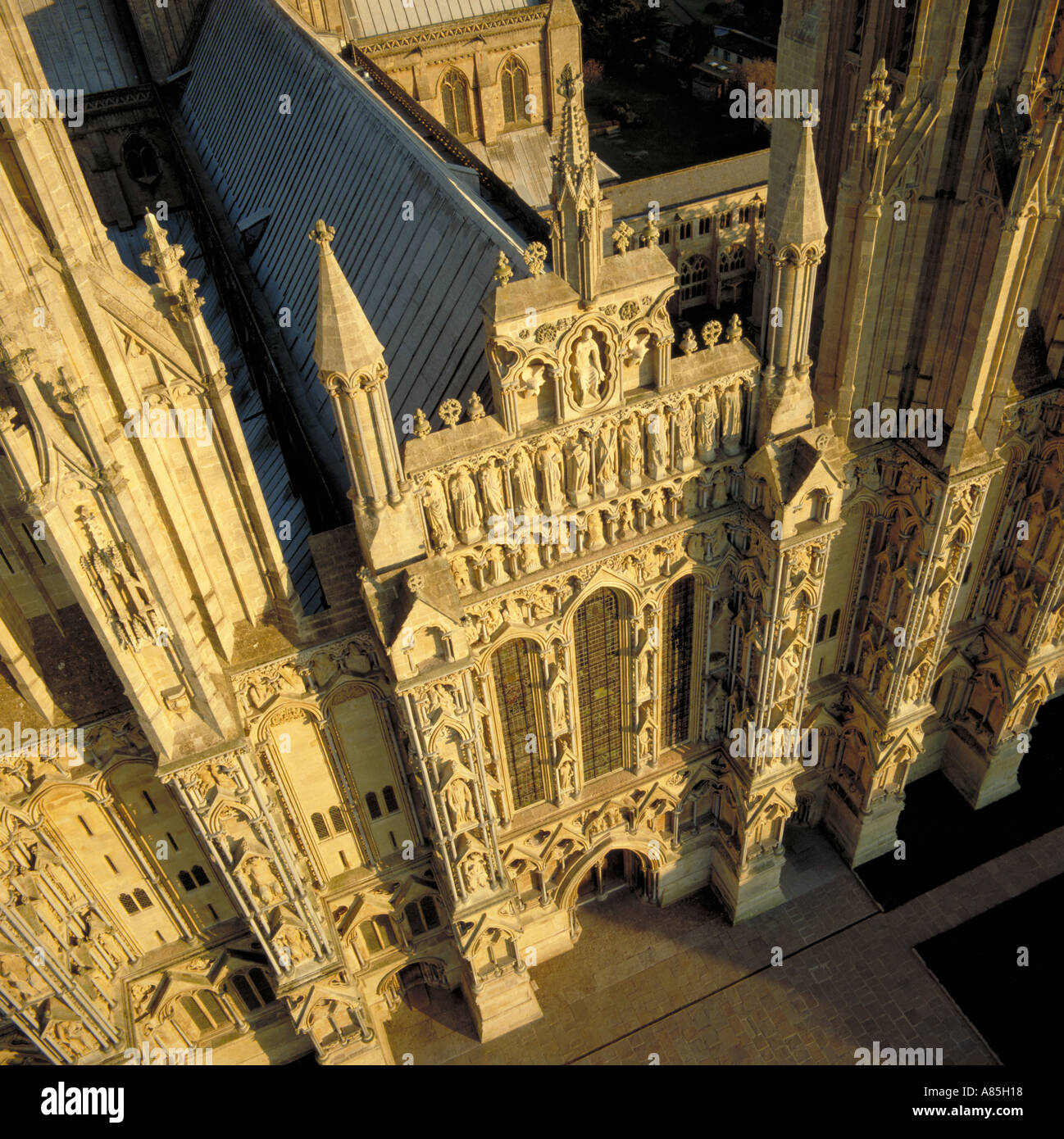 Westwand des Wells Cathedral Somerset Luftbild Stockfoto