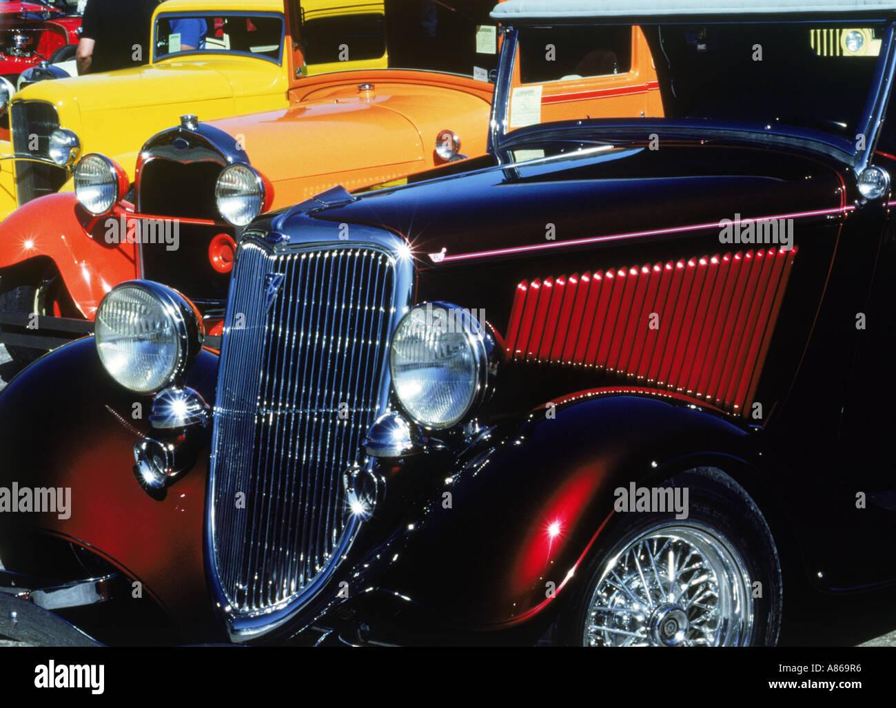 Bunt bemalten klassischen alten Ford Autos aus den 1940-50er Jahre Stockbild