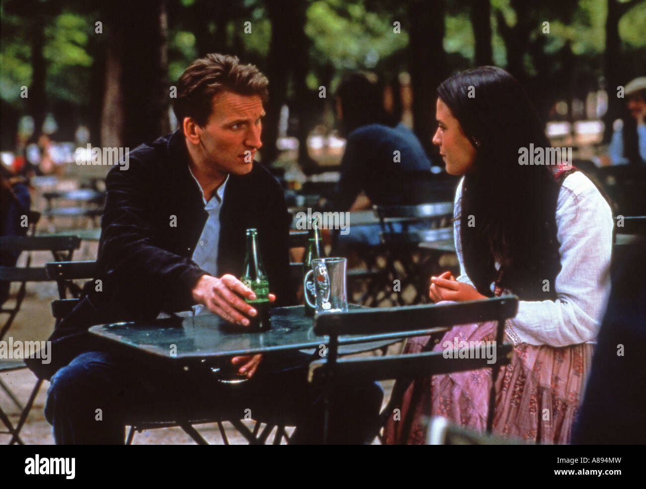 INVISIBLE CIRCUS 2001 Entertainment/Fine Line Film mit Christopher Ecclestone und Jordana Brewster Stockbild