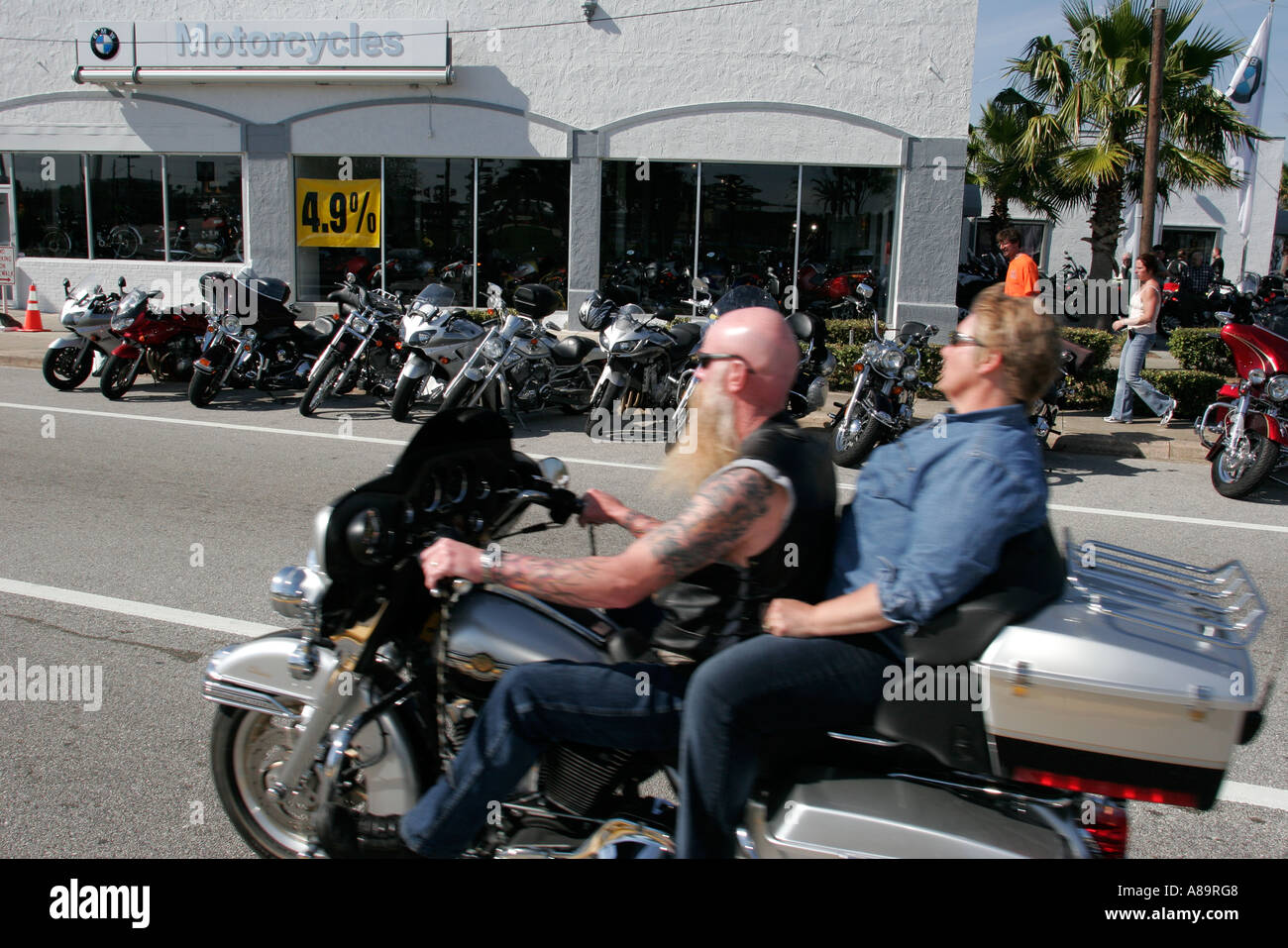 couple daytona bike week in stockfotos couple daytona. Black Bedroom Furniture Sets. Home Design Ideas
