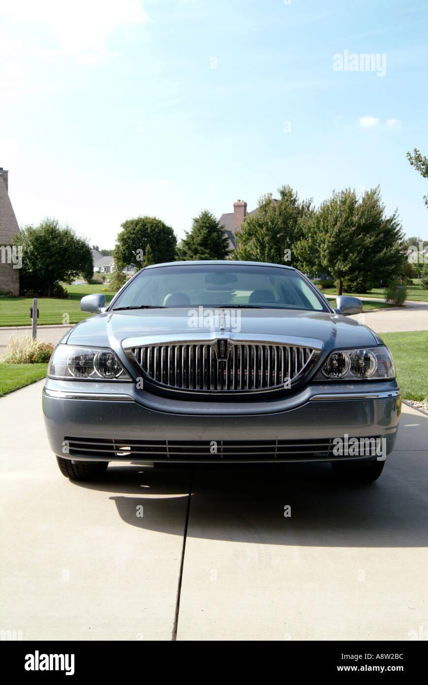 Lincoln Stadt Auto Ford motor Company amerikanisches Auto Gas Guzzler große Limousine grill uns Usa Statussymbol Symbol Absichtserklärung Luxus Stockbild