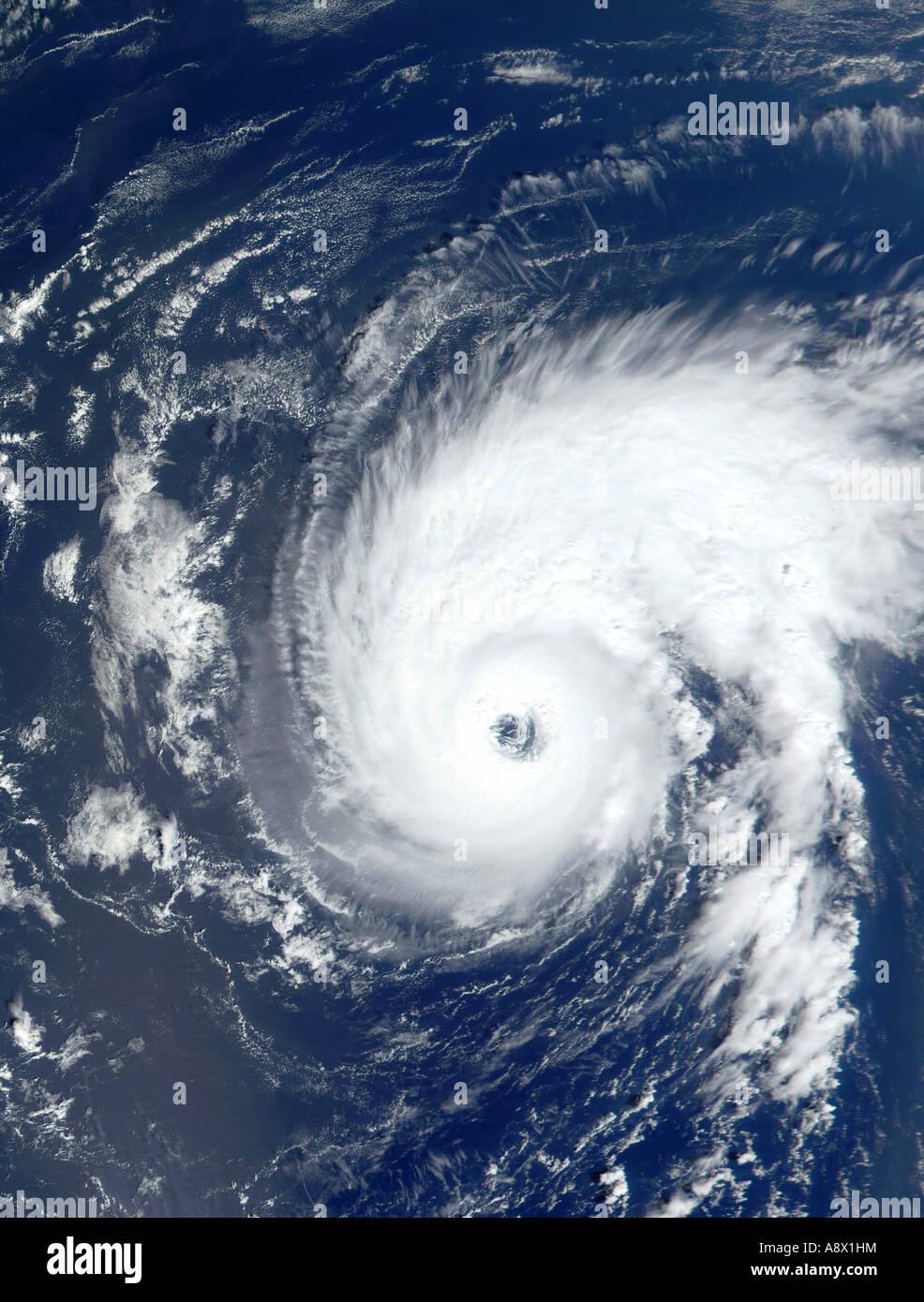 Hurrikan Erin östlich von Bermuda-Inseln, die aus dem Weltraum betrachtet Stockbild