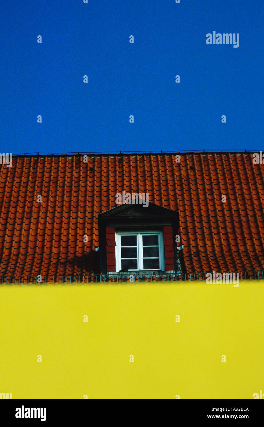 Dormer Attic Window Stockfotos & Dormer Attic Window Bilder - Alamy