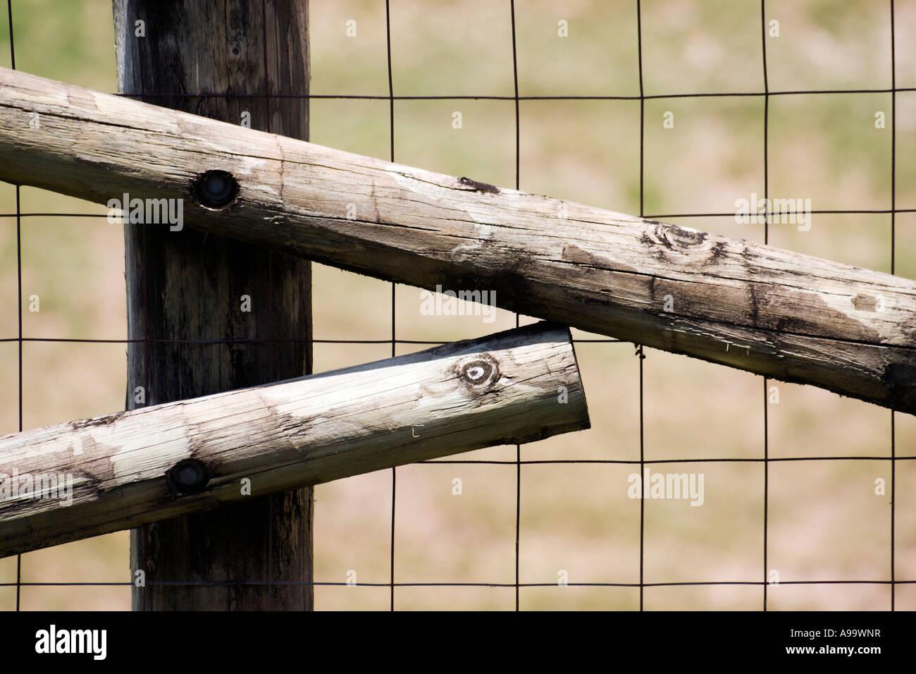 Fantastisch Plank Zaun Draht Zeitgenössisch - Die Besten ...