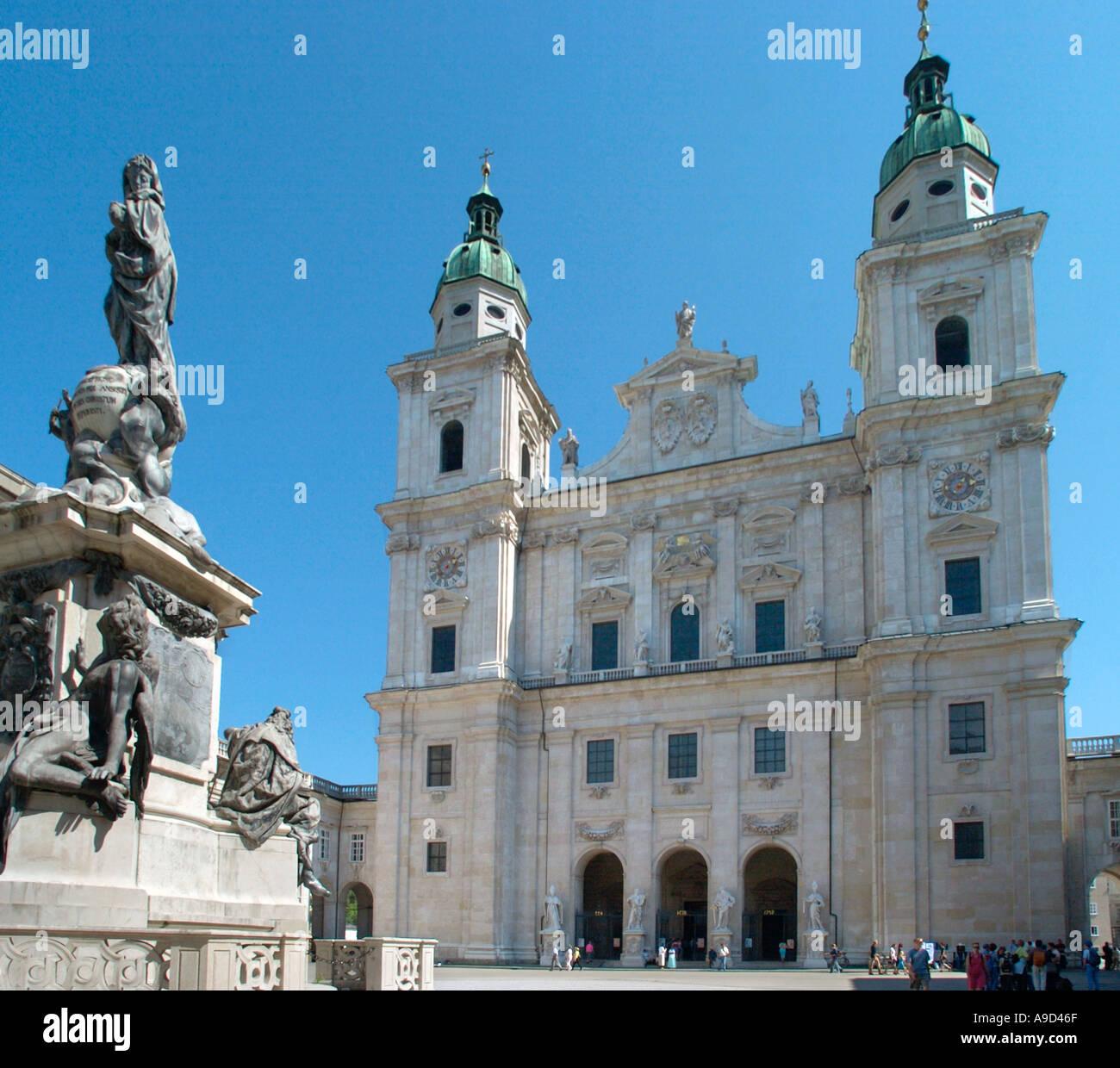 Dom und Domplatz, Altstadt (alte Stadt), Salzburg, Österreich Stockbild