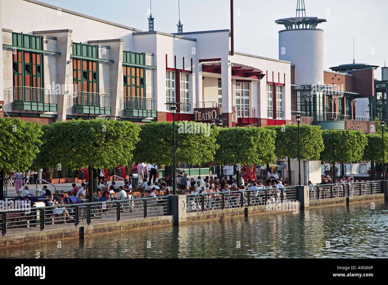 shopping center centro oberhausen stockfotos shopping center centro oberhausen bilder seite. Black Bedroom Furniture Sets. Home Design Ideas