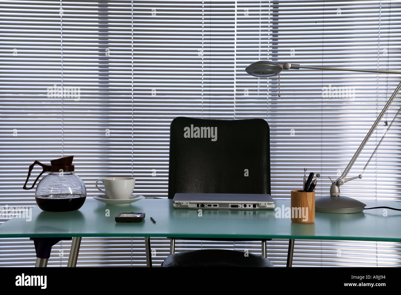 Ein Modernes Buro Desktop Stockfoto Bild 4041363 Alamy
