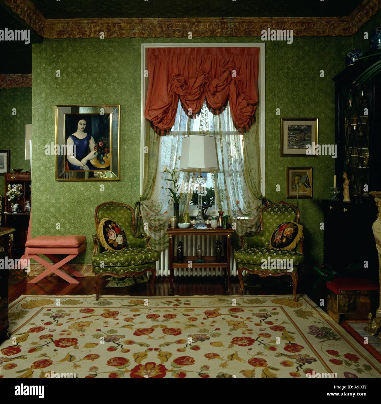 Roten Schwalbenschwanz Blind in achtziger Jahre Wohnzimmer ...