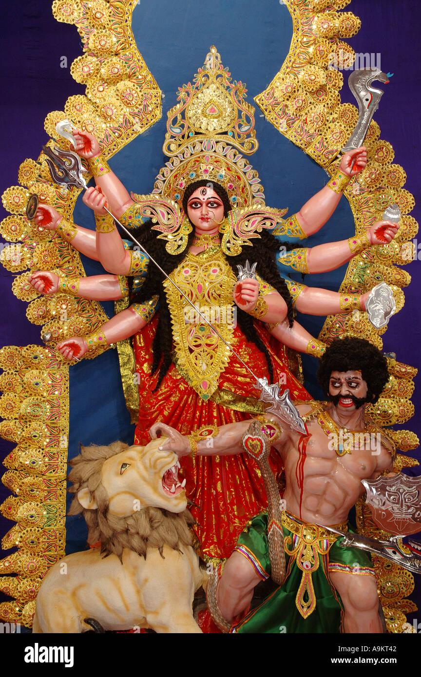 Indische Göttin Durga Statue Mit Zehn Händen Erschlagen Den Dämon In