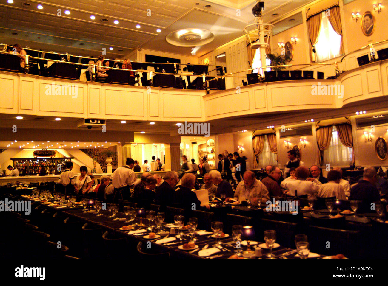 Abendessen Theater Stockfotos & Abendessen Theater Bilder - Alamy