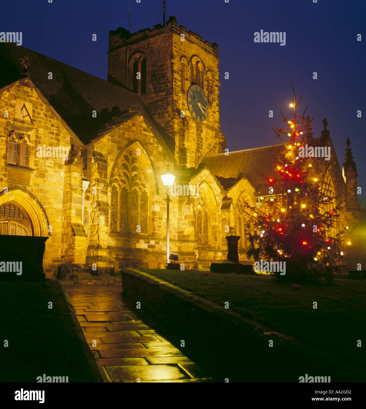 town square christmas tree uk stockfotos town square. Black Bedroom Furniture Sets. Home Design Ideas