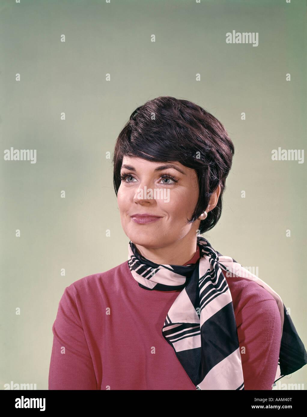 1960er Jahre Porträt Des Business Frau Braune Kurze Haare