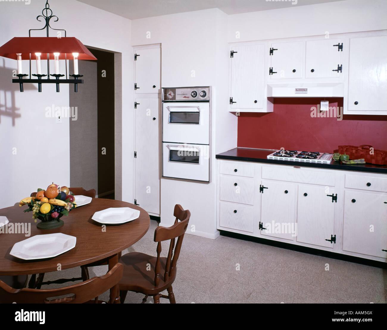 70er Jahre Küche Interieur Stockfotos & 70er Jahre Küche Interieur ...
