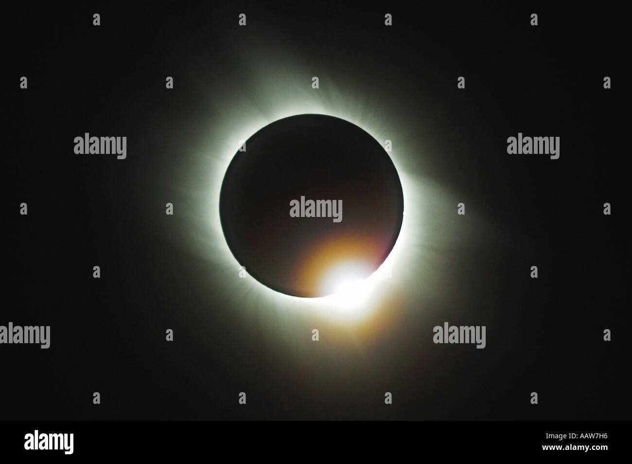 Totale Sonnenfinsternis, die den Diamant Ringeffekt, Side, Türkei, 29. März 2006 Stockbild