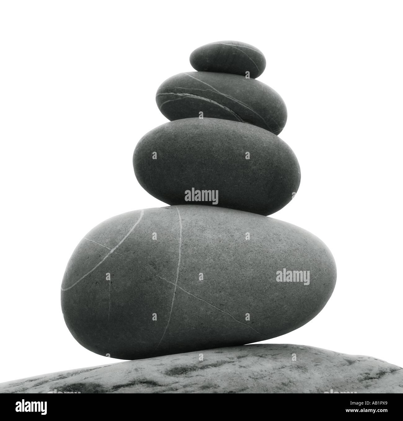 Steinen ausgeglichen übereinander Stockbild