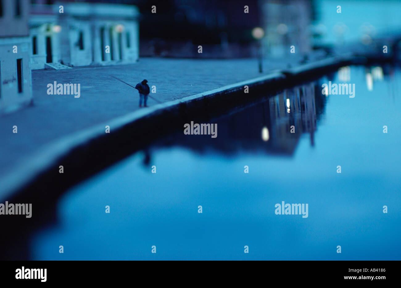 "Venedig-Mann Angeln in einem Kanal in Venedig Italien ""Fine Art Photography"" Stockfoto"