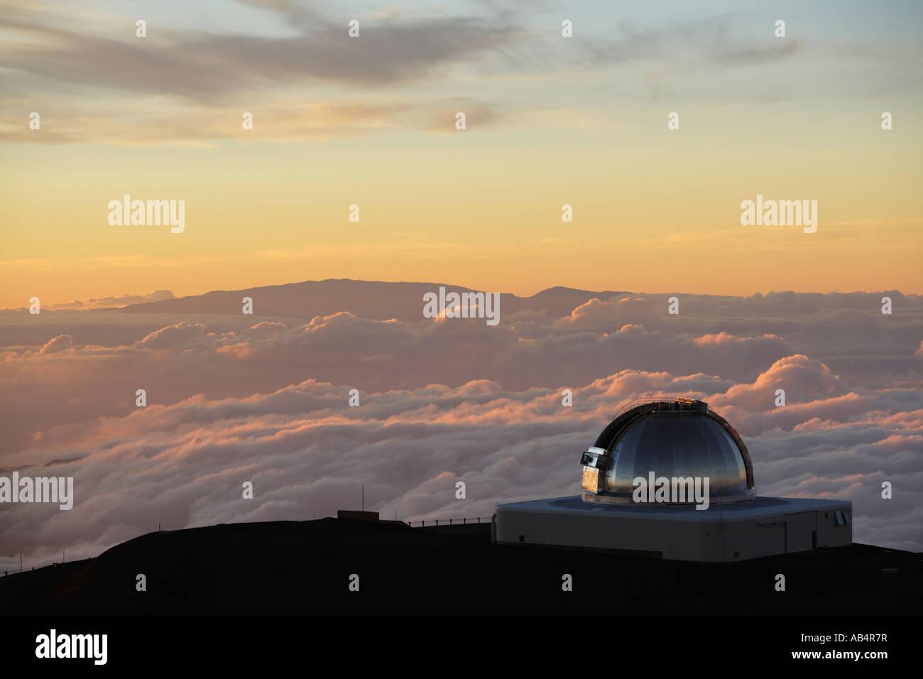 NASA Infrared Telescope Facility auf Mauna Kea bei Sonnenuntergang Stockbild