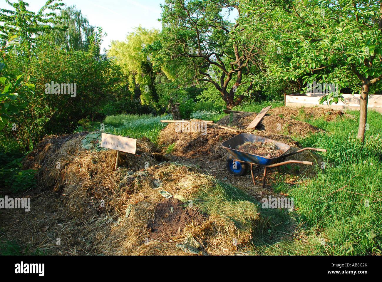 Biologische Gärtner große Kompost Ort Stockbild