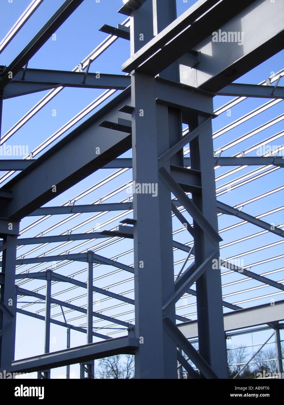 Portal Stahlrahmen Gebäude während der Bauphase Stockfoto, Bild ...