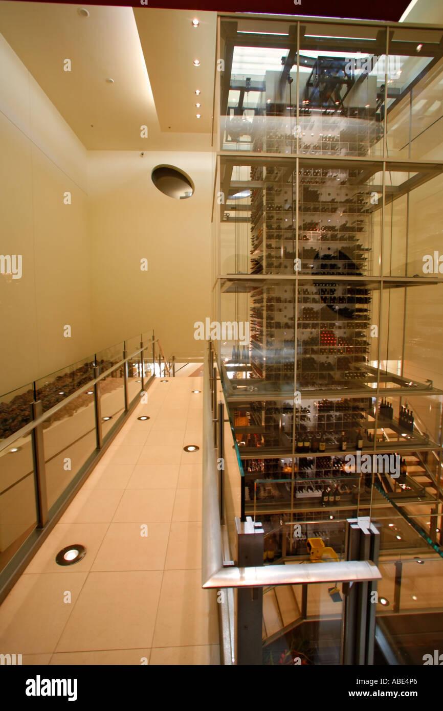 Der Weinturm in der Aureole Restaurant Mandalay Bay Las Vegas Nevada Stockbild