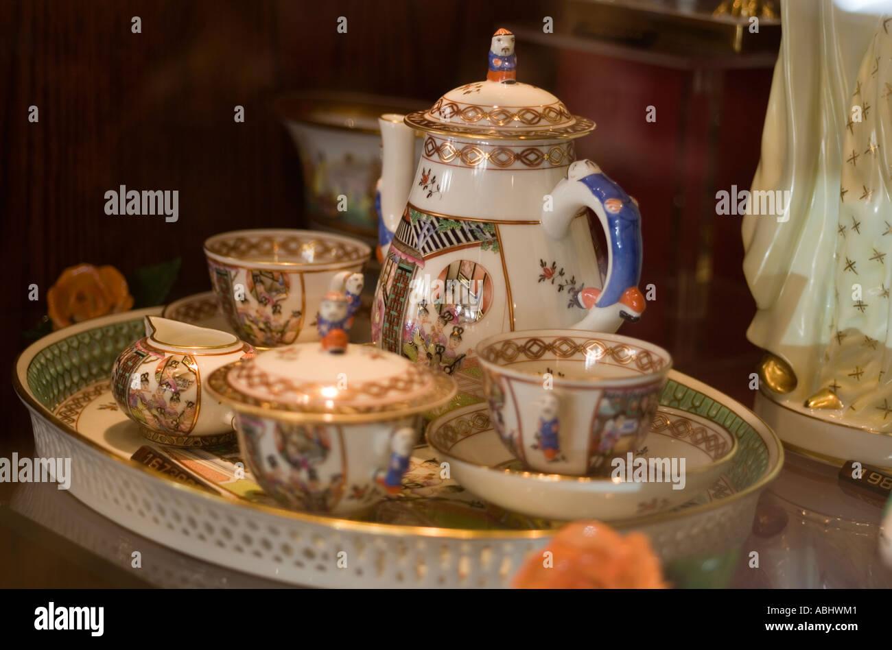herend porcelain stockfotos herend porcelain bilder alamy. Black Bedroom Furniture Sets. Home Design Ideas
