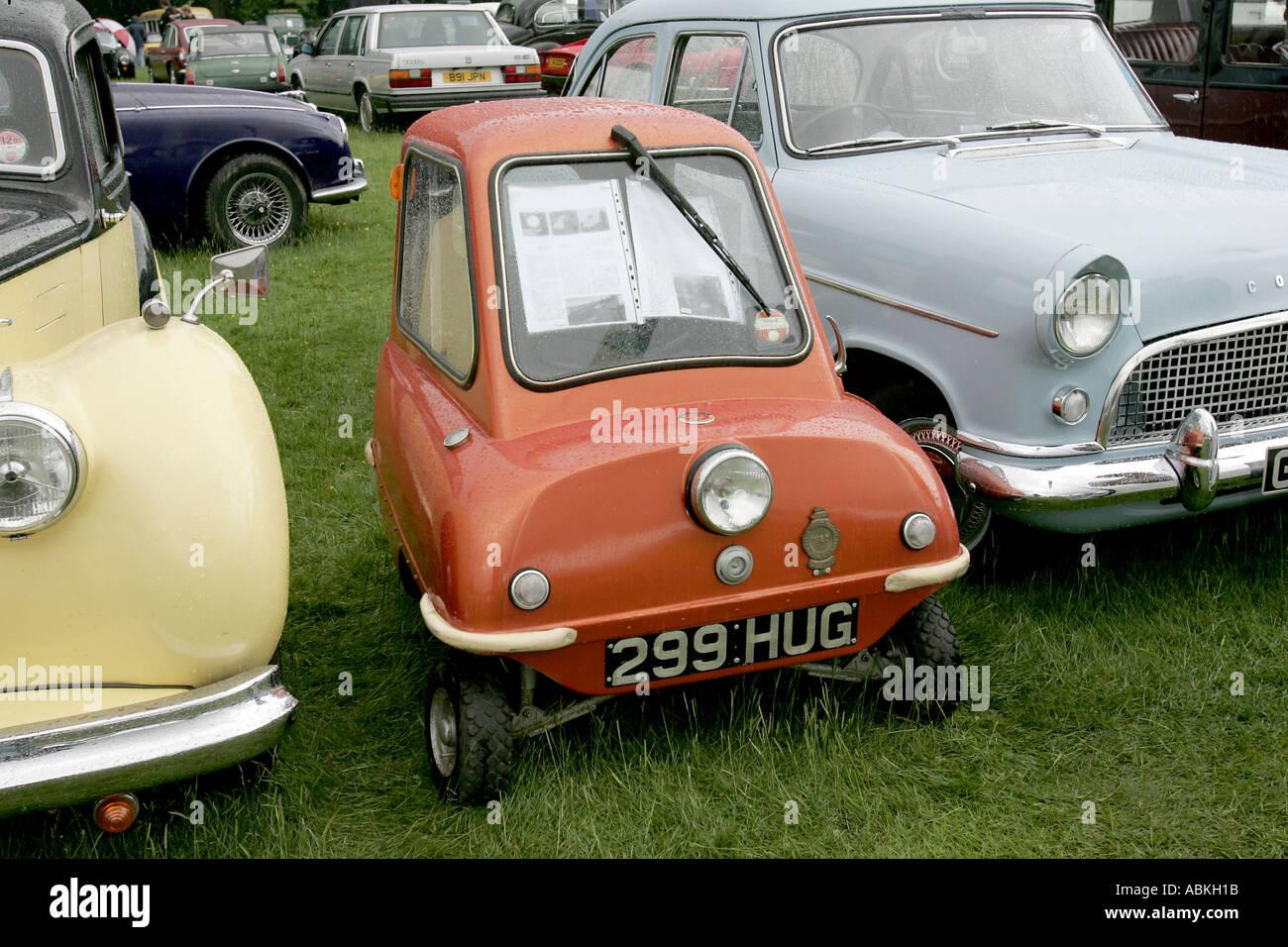 alte kleine winzige Auto klassische Geschichte Fahrzeug Vintage ...