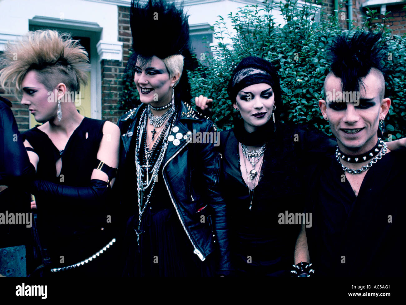 Kühlschrank Punk : London punks stockfotos london punks bilder alamy