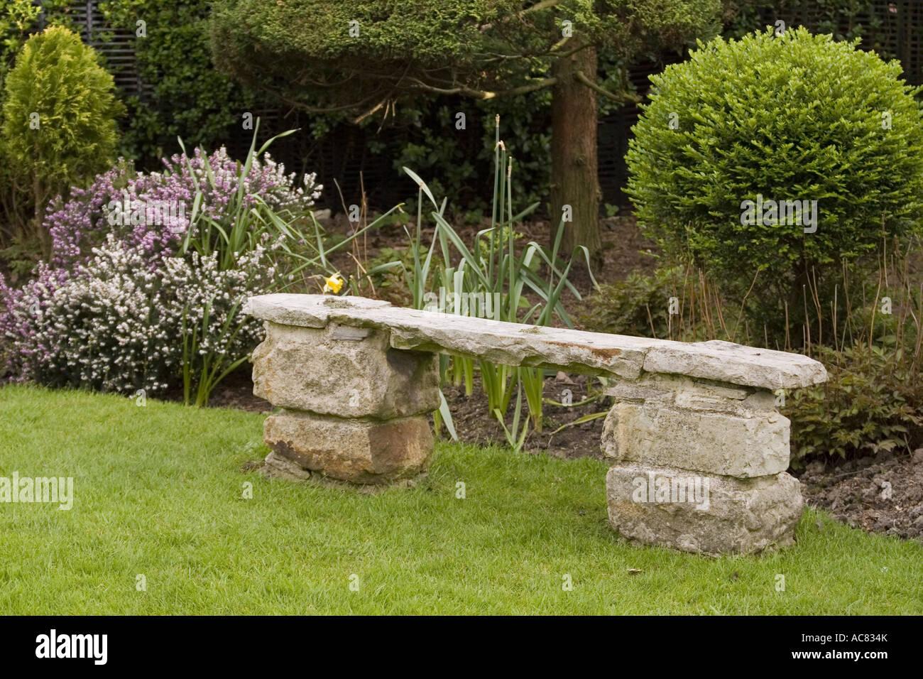 Leere Stein Garten-Sitzplatz Stockfoto, Bild: 13071906 - Alamy