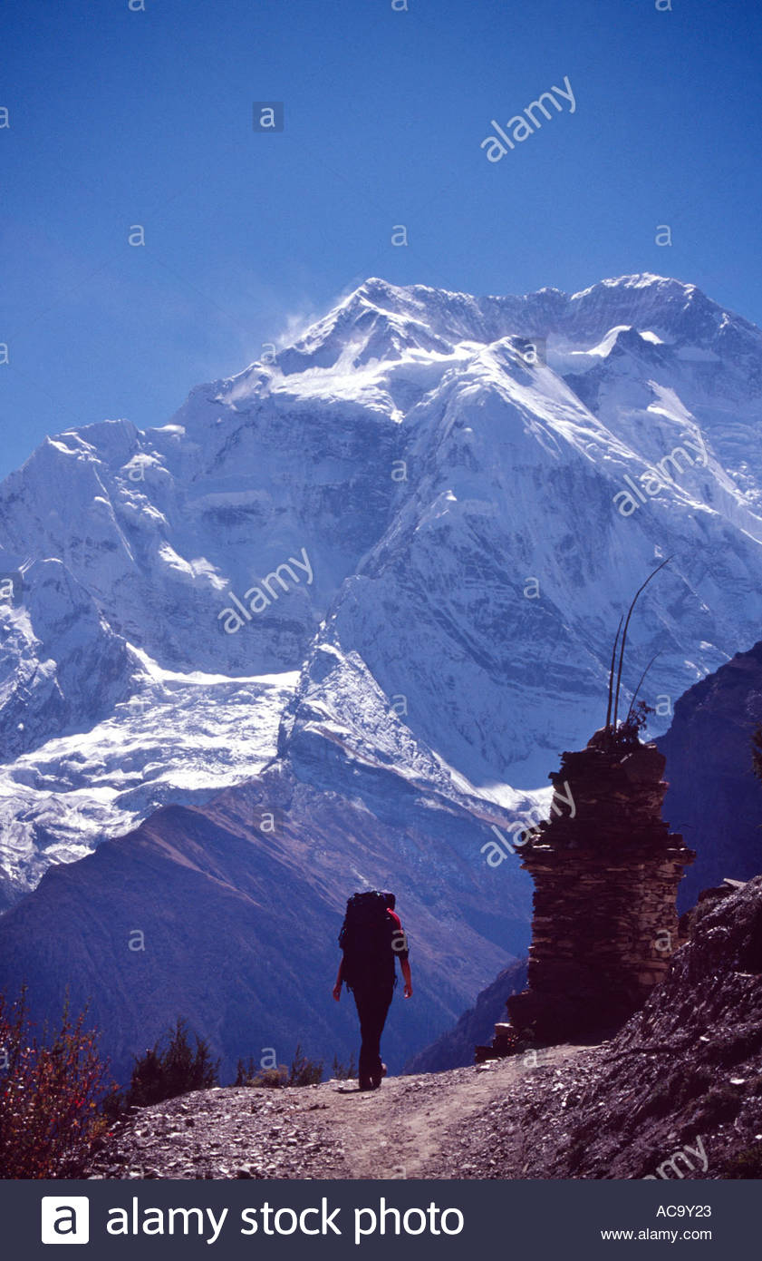 Wanderer auf dem Höhenweg nach Manang, Annapurna Circuit, Nepal Stockbild