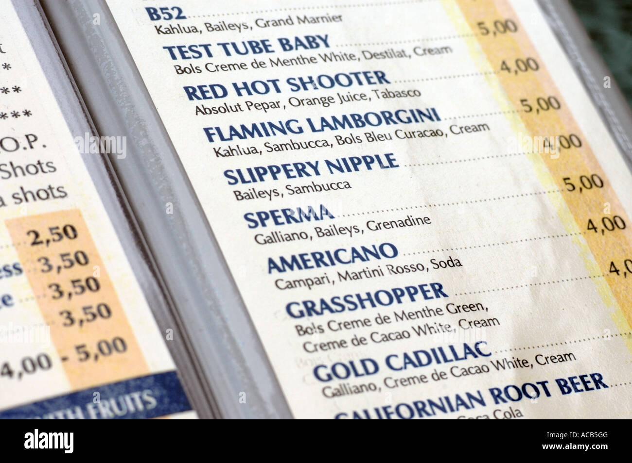 Menü mit Liste der Getränke und Preise in Euro-Währung Stockfoto ...