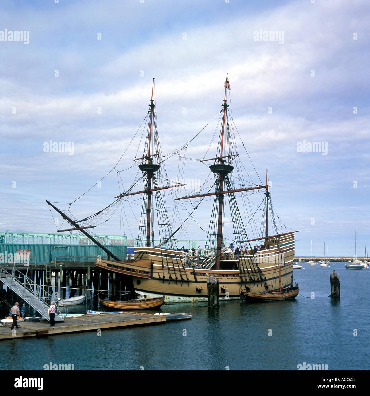 Nachbildung der Mayflower Schiff in den Hafen von Plymouth, Massachusetts, USA Stockbild