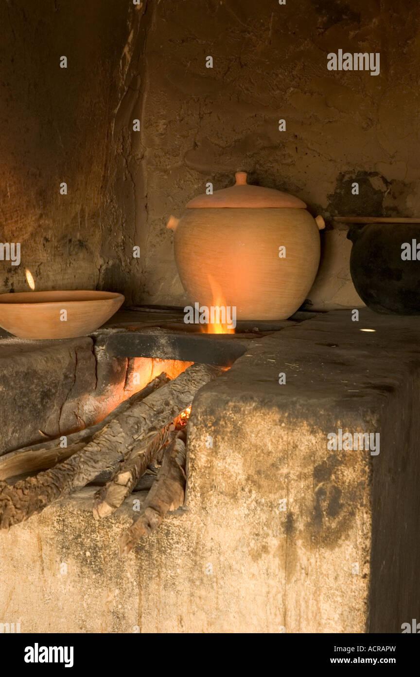 Küche Kamin Ofen mit Lehm Kochen Topf, Itatim, Bahia, Brasilien ...