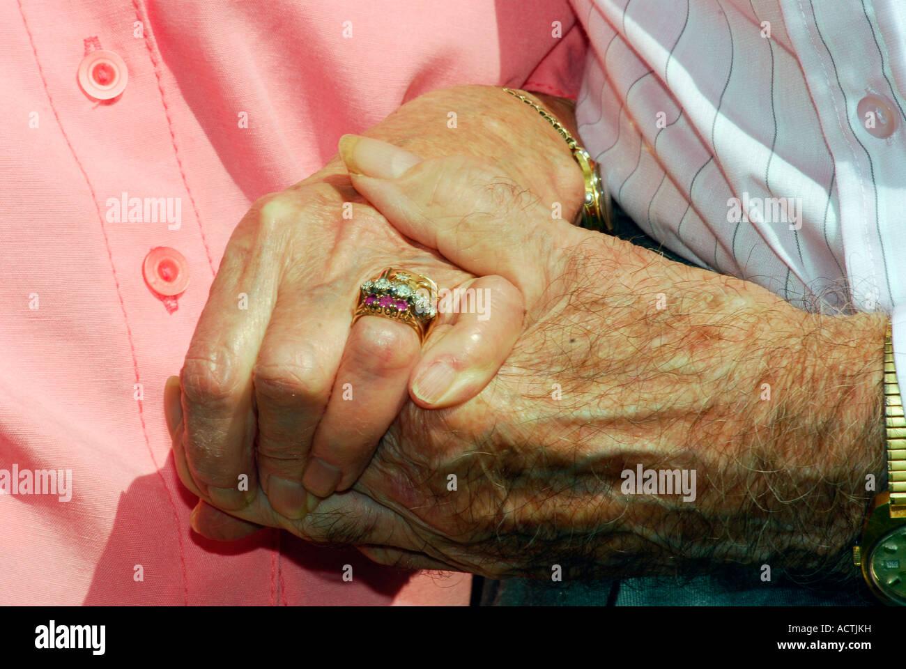 85 Jahre Alten Mann Mit Seiner 87 Jahre Alten Frau Anlasslich Ihrer