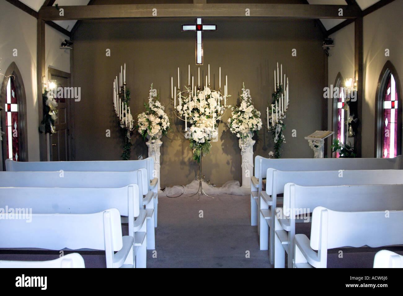 Kleine Kirche Hochzeit Bergkapelle Interieur in der Innenstadt von ...