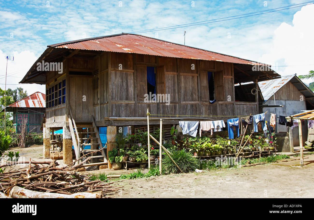 traditionellen holzhaus auf stelzen in sulawesi indonesien stockfoto bild 7587049 alamy. Black Bedroom Furniture Sets. Home Design Ideas
