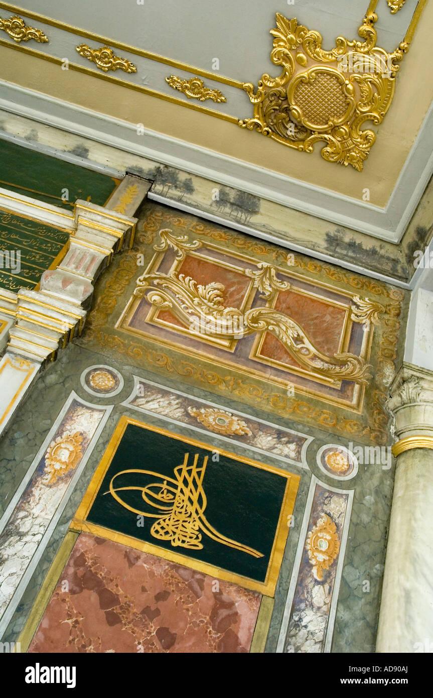 Der reich verzierte Decke des Topkapi Palastes auf den Punkt Serail in Istanbul, Türkei Stockfoto
