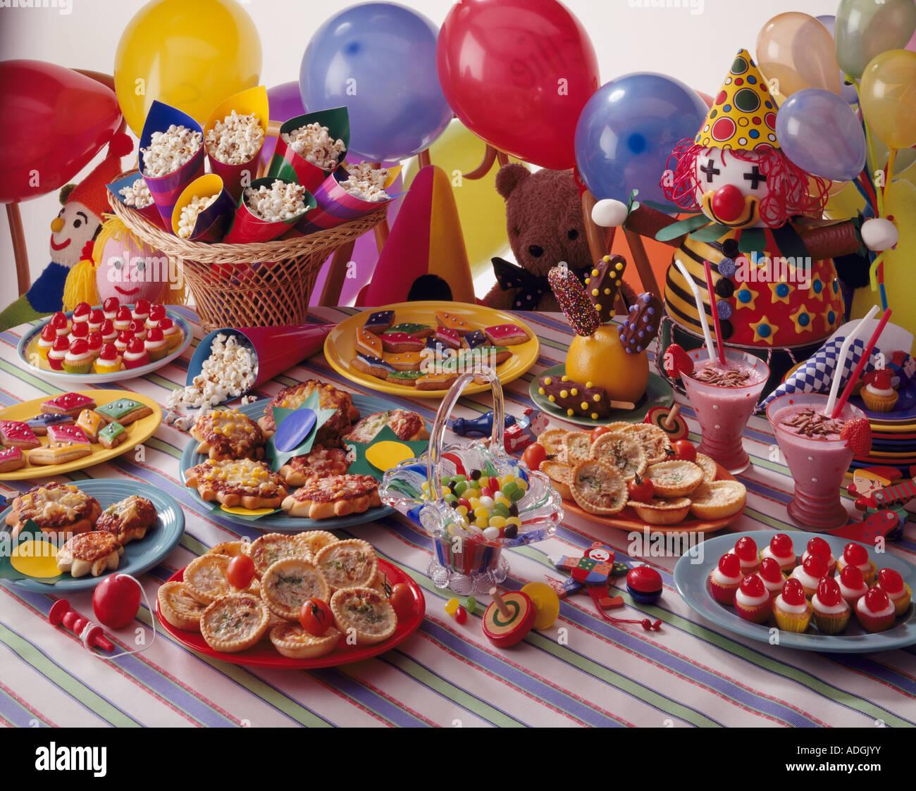 Kinder Party Essen Clown Kuchen Mini Quiche Pizza Muffins Erdbeer