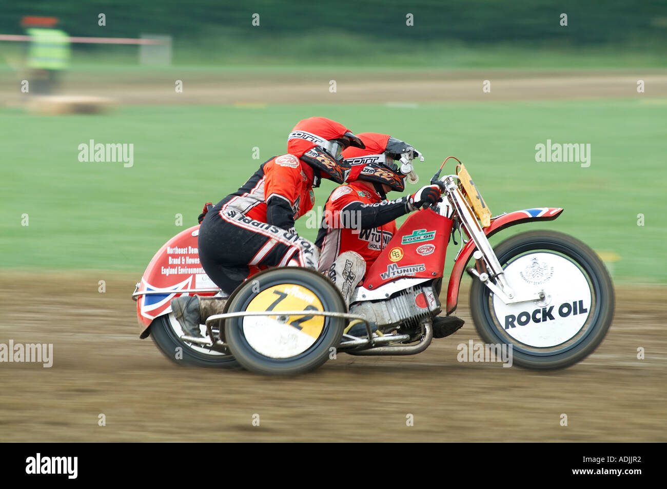motorcycle sidecar racing stockfotos motorcycle sidecar racing bilder alamy. Black Bedroom Furniture Sets. Home Design Ideas