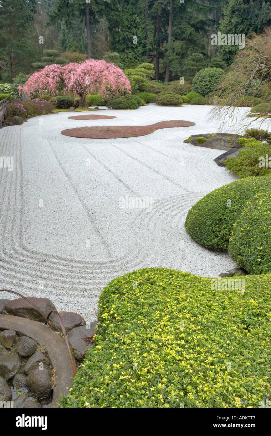 Fantastisch Steingarten Mit Wasserlauf Zeitgenössisch ...