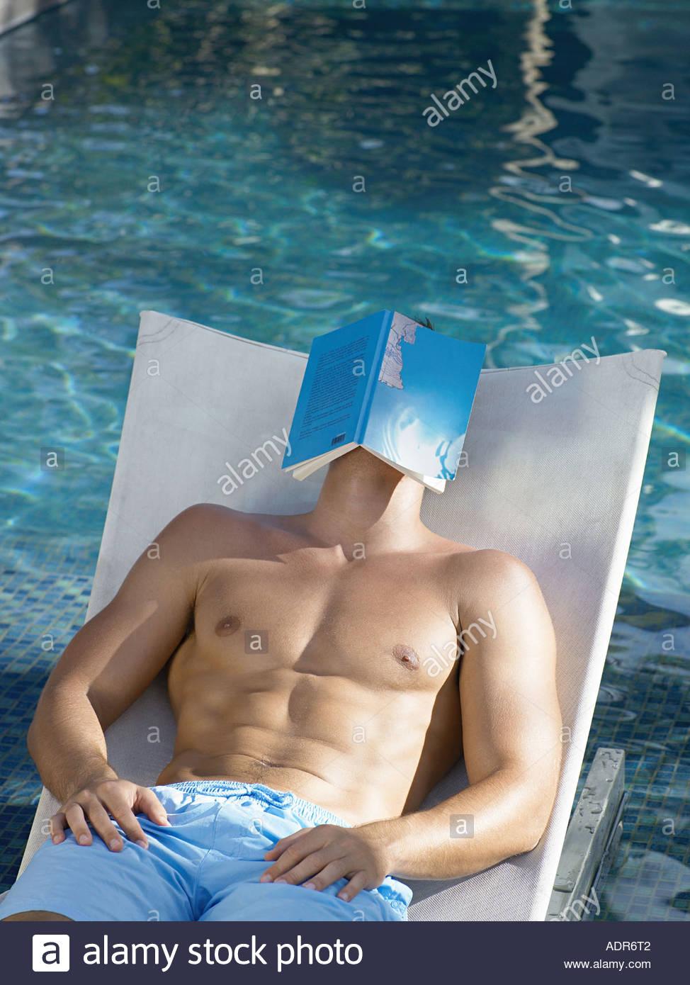 Pool Lounge Stockfotos & Pool Lounge Bilder - Alamy