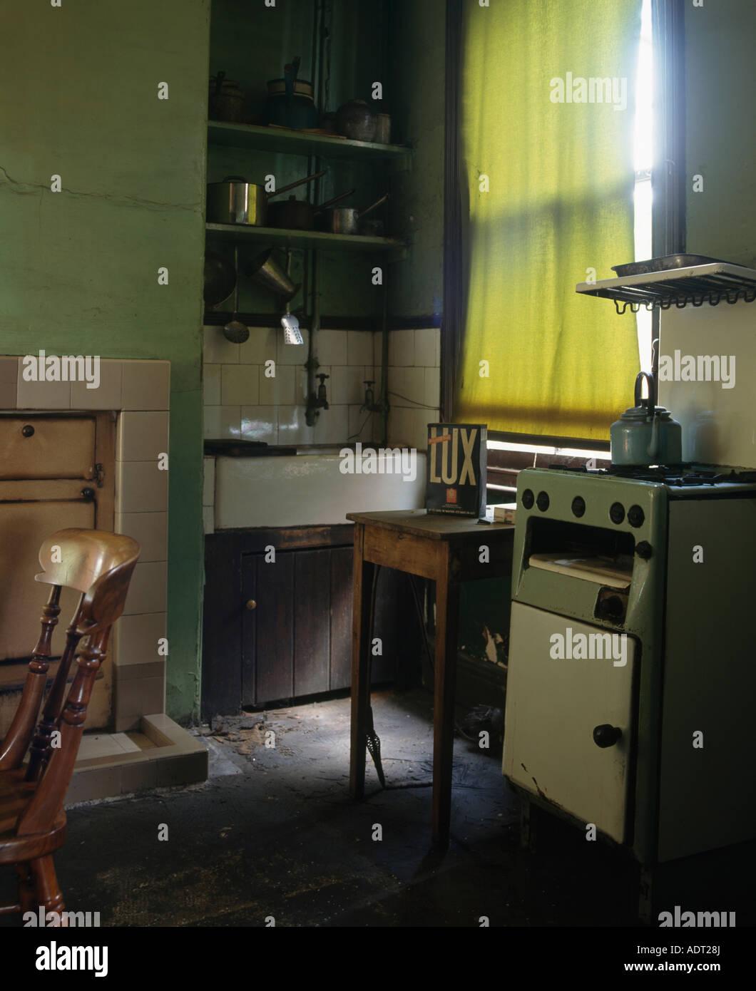 Alten Ofen der 50er Jahre Küche Stockfoto, Bild: 13485569 - Alamy