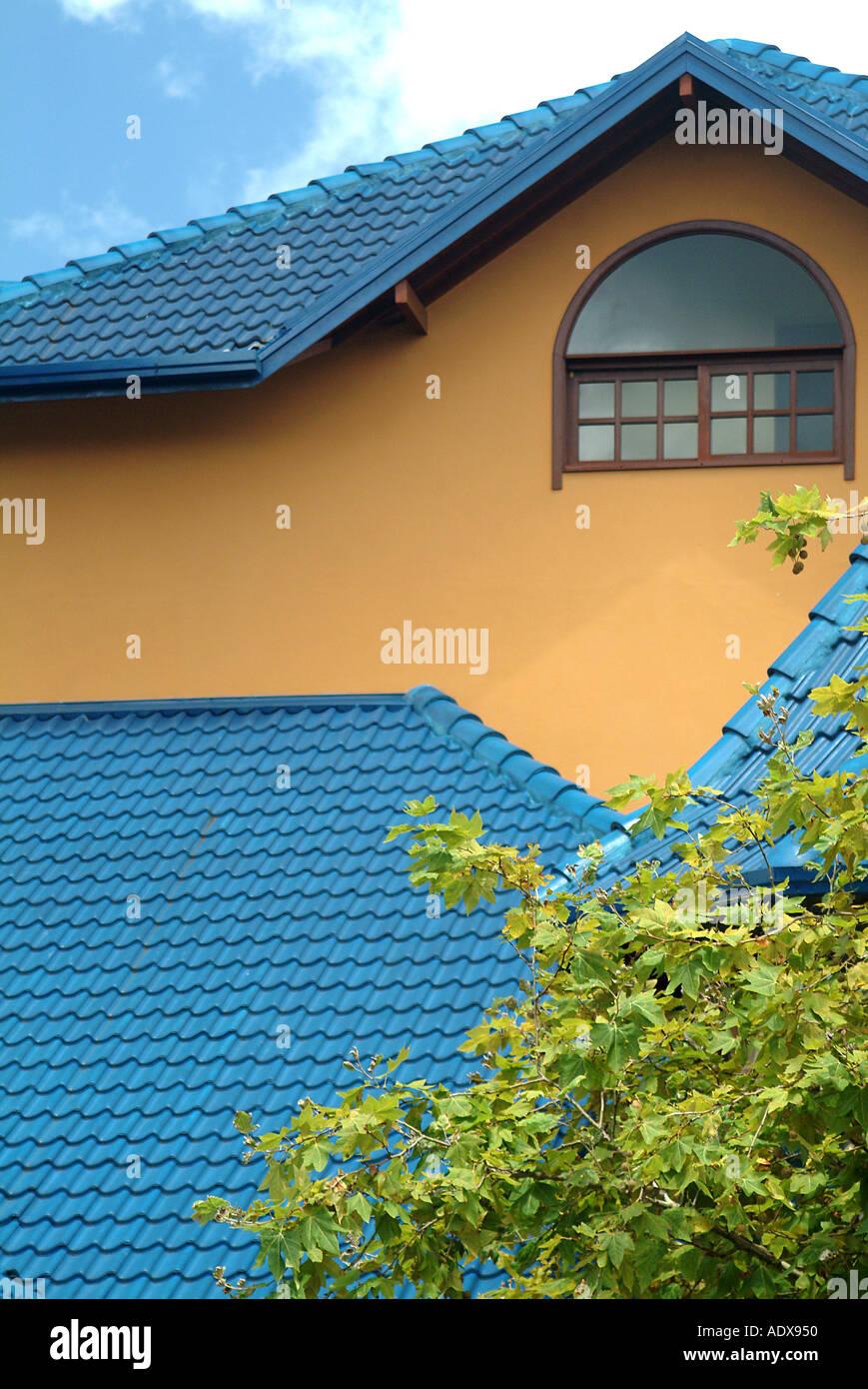 Architektur auf dem Dach Dachboden Ocker Schieferfliesen Schindeln ...