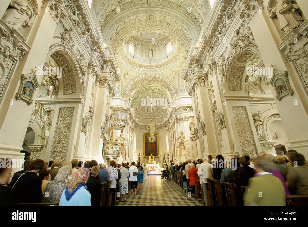 Interieur barock  Barocke Interieur, St. Peter und Paul Kirche, Vilnius, Litauen ...